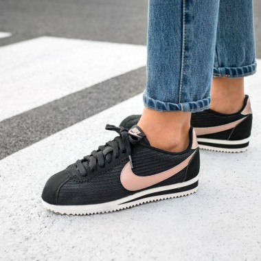 nike-wmns-classic-cortez-leather-lux-black-metallic-red-bronze-sail-1