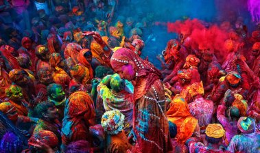 une-profusion-de-couleurs-pour-la-fete-de-holi-en-inde-472301